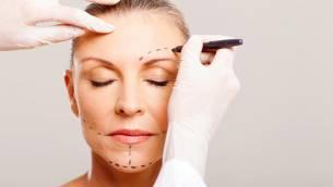 Vorzeitige Hautalterung – welche Möglichkeiten zur Hautstraffung gibt es